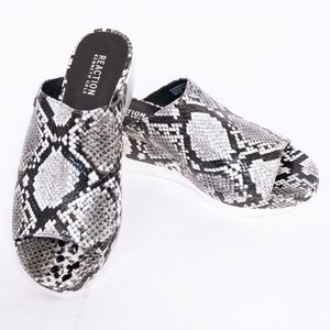 NWT Kenneth Cole snakeskin print sandals, 8.5